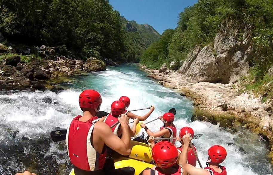 Adrenalinska avantura – Rafting Neretvom
