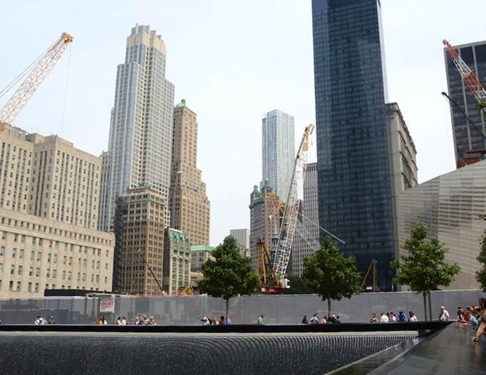 Pri kraju gradnja One World Trade Center u Njujorku