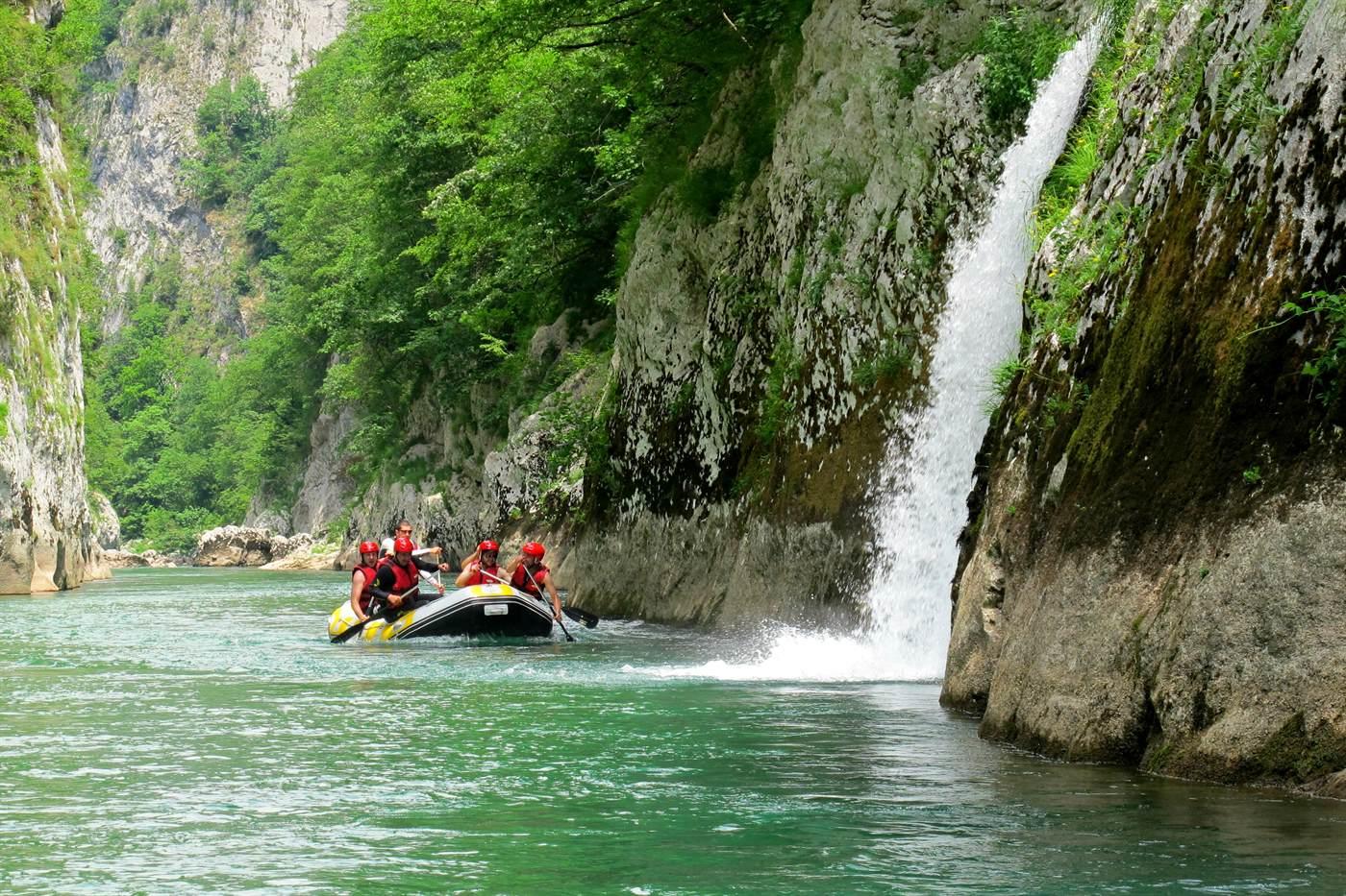 Rafting i kampovanje na Neretvi