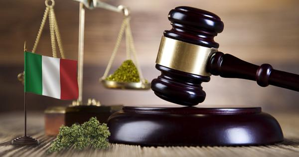 Sve je izvesnija potpuna legalizacija marihuane u Italiji