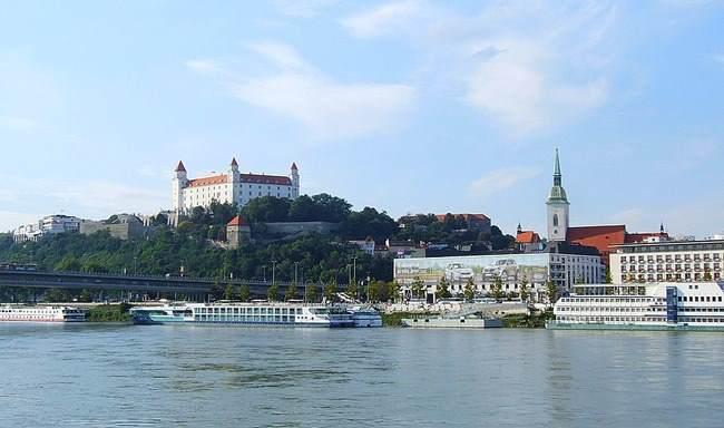 Od 31.oktobra nova avio linija za Bratislavu iz Niša