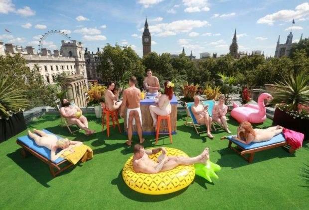 U centru Londona otvoren prvi nudistički kafić na krovu zgrade