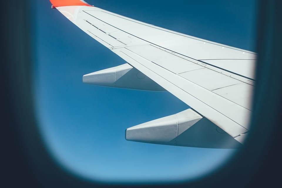 Zašto su prozori na avionima uvek ovalni?