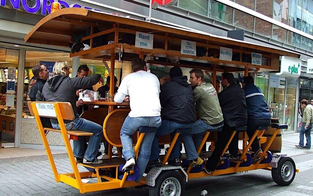 """Amsterdam ukida """"pivske bicikle"""" zbog nedoličnog ponašanja pijanih turista"""