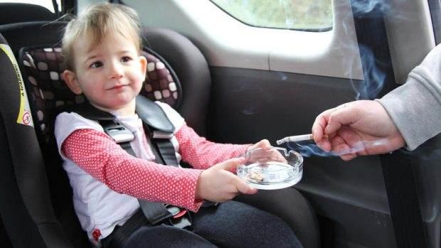 EU počinje da kažnjava pušenje u vozilima u kojima se nalaze deca i trudnice!