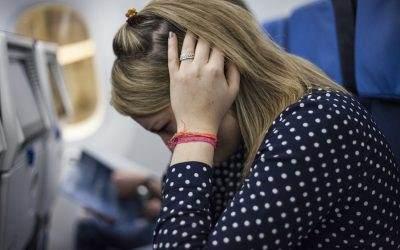 Pet načina kako se rešiti problema zapušenih ušiju nakon leta avionom